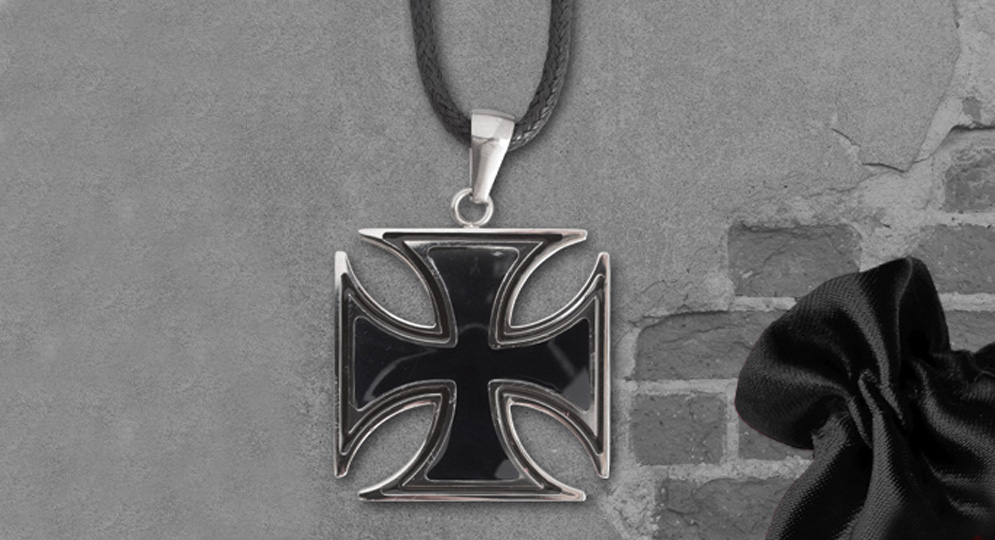 IRON CROSS PENDANT Extras