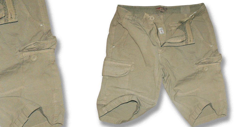 BERMUDA LEGION OLIVA Shorts & trousers