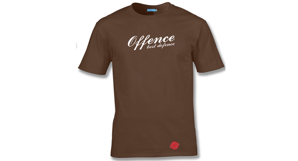 T-SHIRT OFFENCE BEST DEFENCE CHOCOLATE Offence best defence